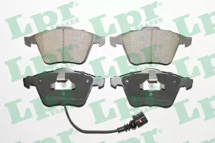 05P1384 LPR Комплект тормозных колодок, дисковый тормоз